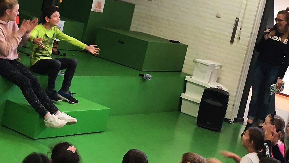 LIVE voorleeswedstrijd tijdens afsluiting Kinderboekweek