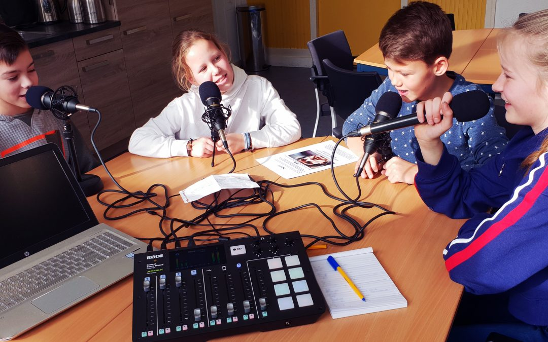 Schoolradio is kinderspel met de The RØDECaster™ Pro