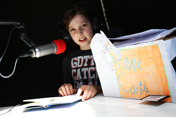 Dyslexie en zenuwachtig? Lees voor op de radio!