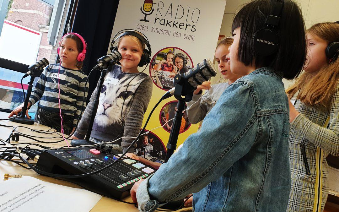 Audio en podcasts horen thuis in leesoffensief